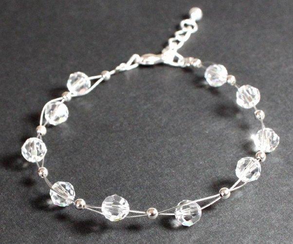 zartes armband mit swarovski kristallen kugeln crystal. Black Bedroom Furniture Sets. Home Design Ideas